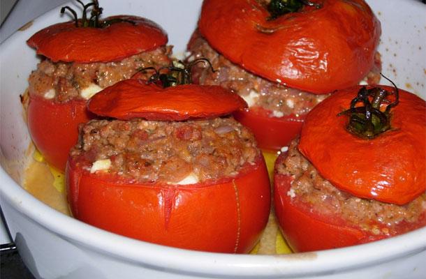 Recette de la tomate farcie à la chair à saucisse