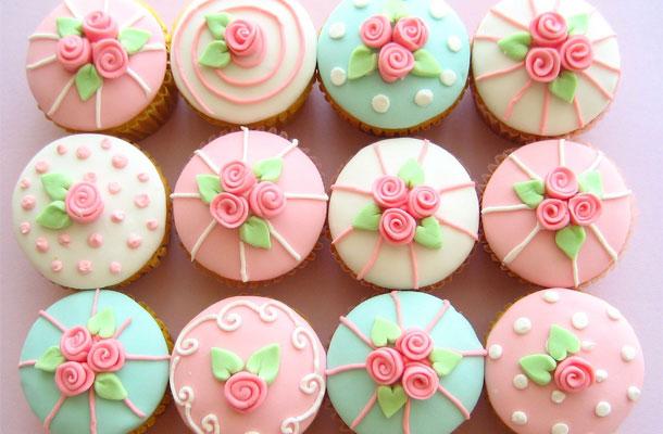 Le gla age ou la d coration des cupcakes blog - Deco pour cupcake ...