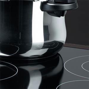 Comment nettoyer des plaques de cuisson (vitrocéramique et induction) ?